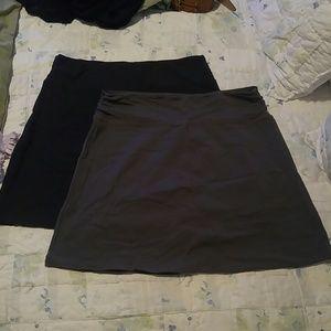 Set of 2 Columbia knit skirts